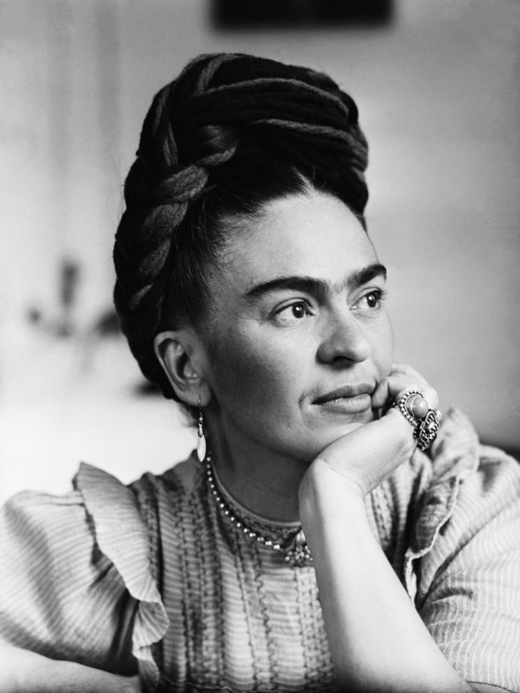 Frida Kahlo, lesbian