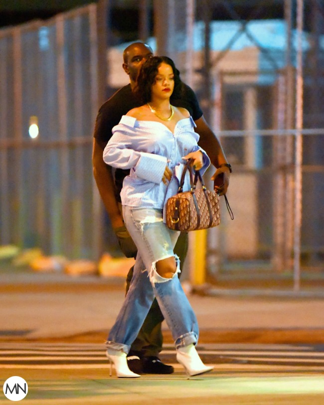 Rihanna pregnancy rumors