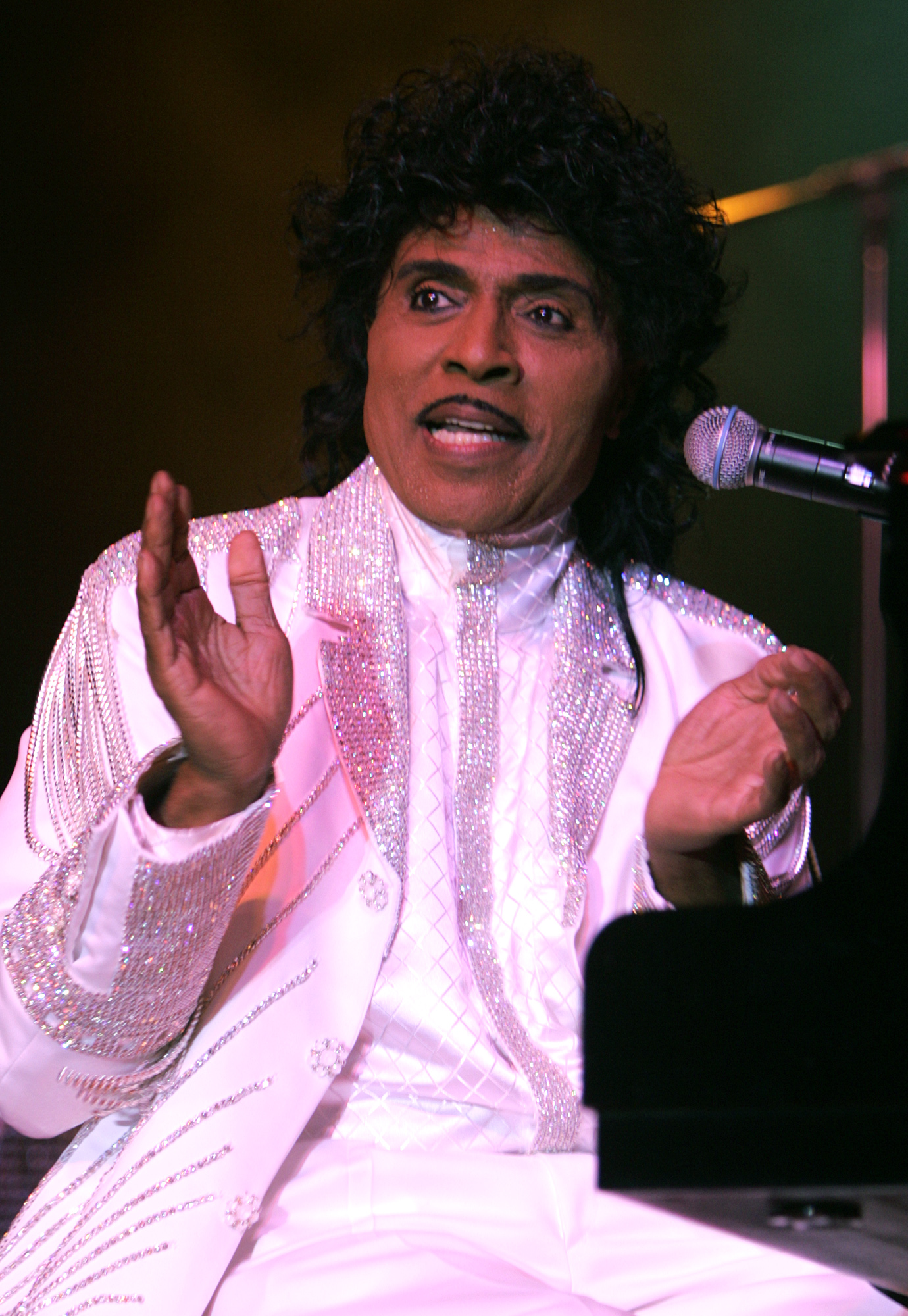 (Highland)–Little Richard sits down to the piano for his first number at the San Manuel Indian Bing