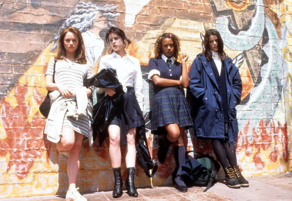 """rachel true attending convention with """"the craft"""" co-stars"""