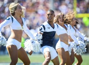 superbowl will feature male cheerleaders