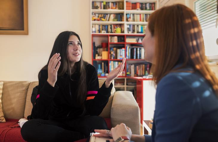 Teenage girl at psychotherapy