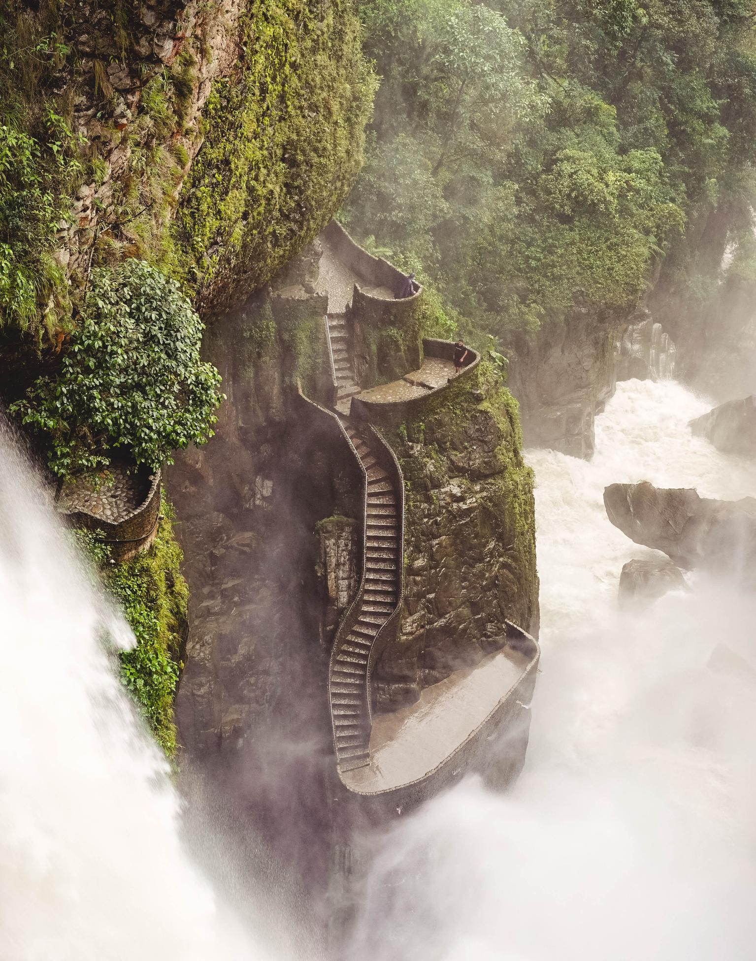 El Pailón del Diablo – Baños, Ecuador