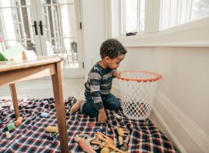 moms should stop apologizing for messy homes