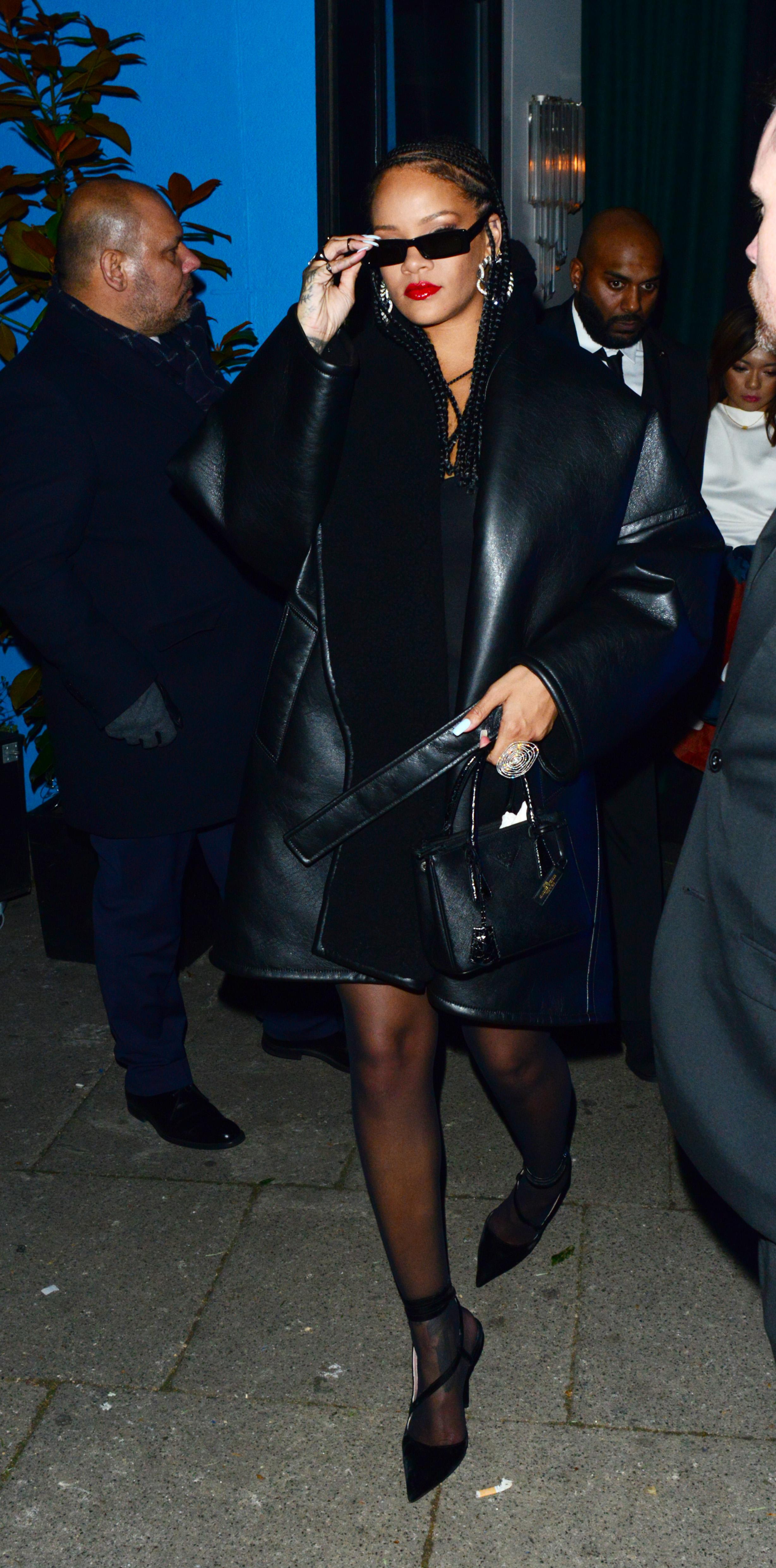 Rihanna 02122019