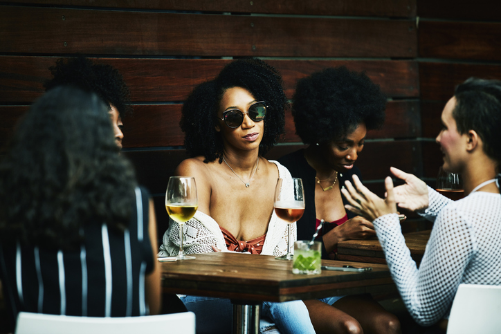"""Signs Your """"Friend"""" Is Secretly Competing With You"""