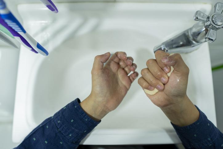 washing hands hygiene