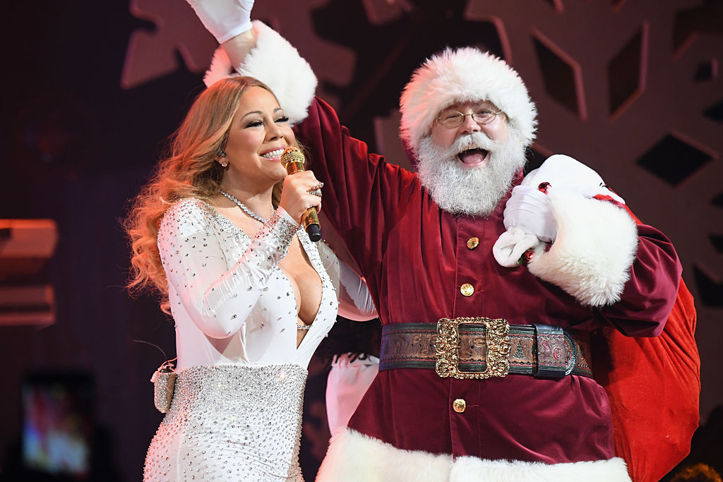 Mariah Carey Says Troubled Childhood Is Why She Goes All Out For Christmas