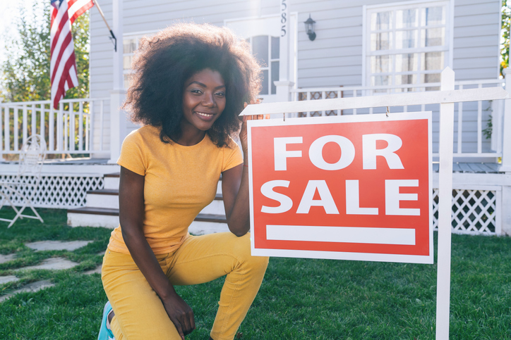 Due to the collapse of the properties, afro women sells her house