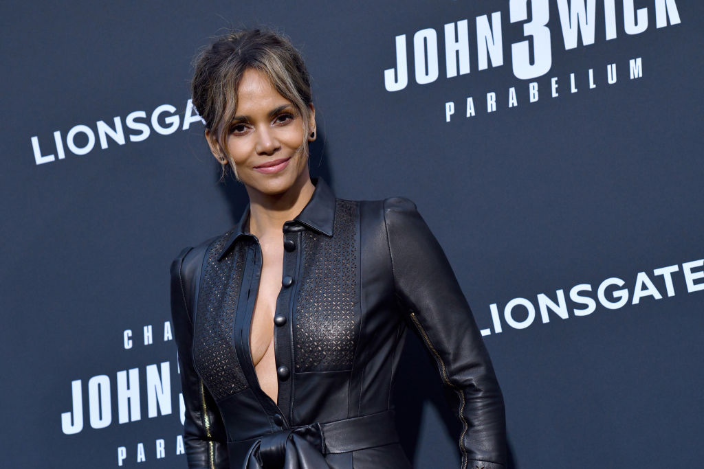 """Halle Berry Wishes Shouts Out """"Real Man,"""" BF Van Hunt, On His Birthday"""