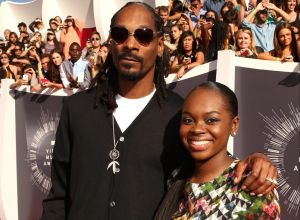 Cori Broadus and Snoop Dogg at the 2014 MTV Video Music Awards - Red Carpet